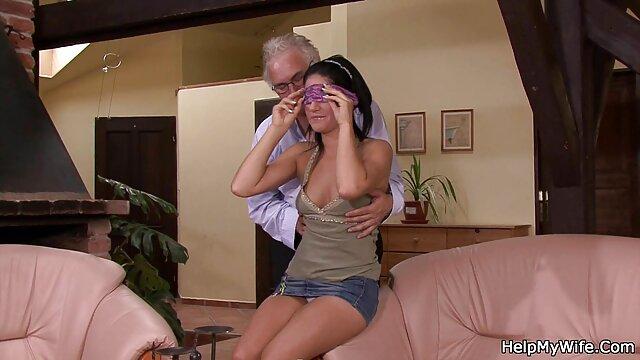 La film porno italiana gratis ragazza stava bevendo un bel po', ed era pronto a formare le gambe fuori e per la figa completamente al suo amante