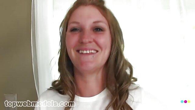 Biondo Ashley Fires sesso porno italiano gratis culo grande bellissimo cazzo e leccata palle